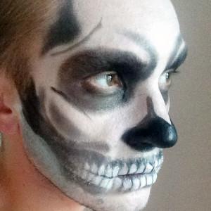 Макияж на Хэллоуин скелет