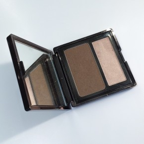 Lowing/ Highlighting Perfecting Palette Pressed от Becca